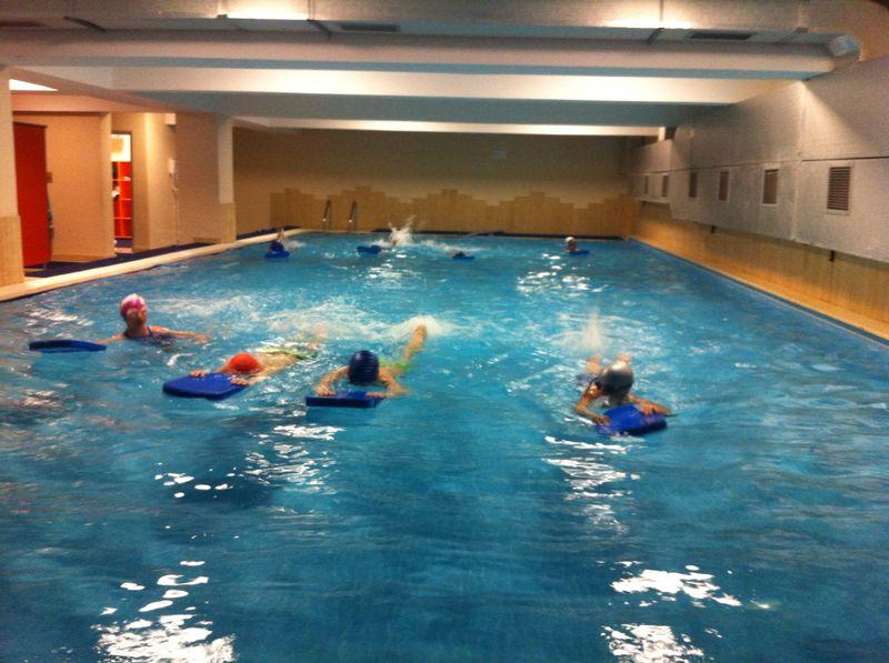 2014 doğa koleji ataşehır doğa kolejı nde yüzme derslerı