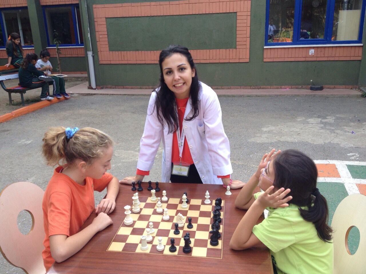 Kartal doğa koleji satranç turnuvasi heyecani